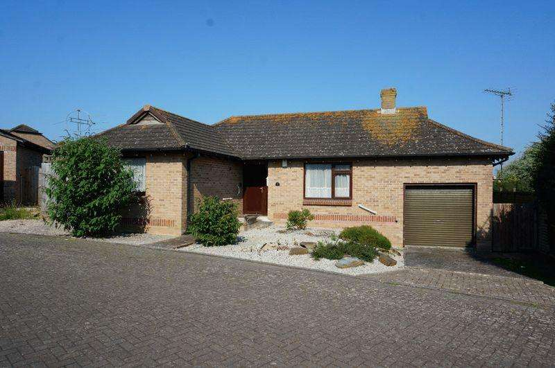 2 Bedrooms Detached Bungalow for sale in Melliars Way, Bude
