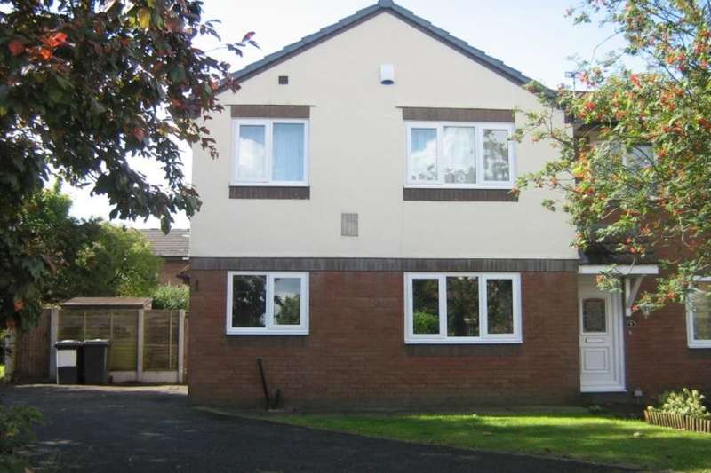 2 Bedrooms Property for rent in Ashmore Close, Middlewich, CW10