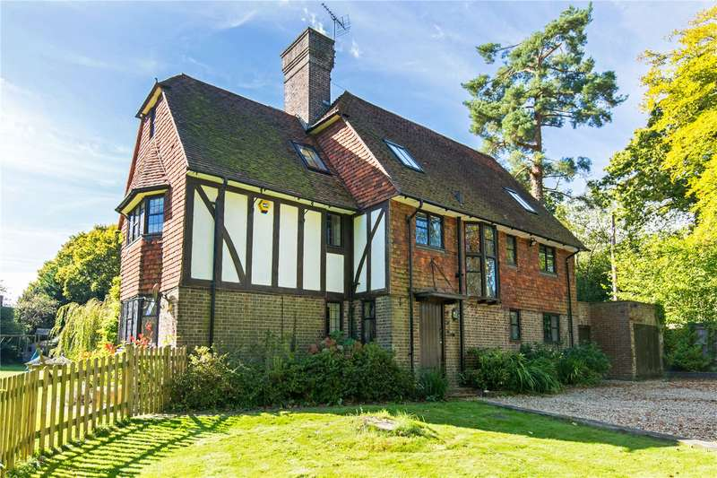 5 Bedrooms Detached House for sale in Tylers Green, Cuckfield, Haywards Heath, West Sussex, RH17