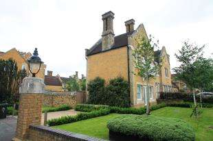 3 Bedrooms House for sale in Chapel Drive, The Residence, Stone, Kent