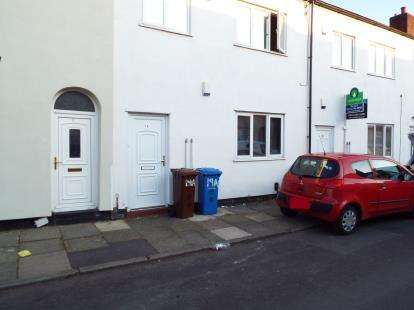 2 Bedrooms Flat for sale in Heron Street, Pendlebury, Swinton, Manchester