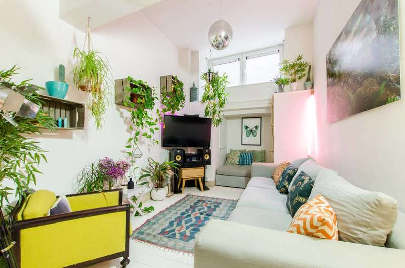2 Bedrooms Flat for sale in Bethnal Green Road, Bethnal Green, E2