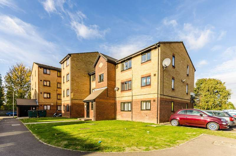Studio Flat for sale in Viking Place, Leyton, E10