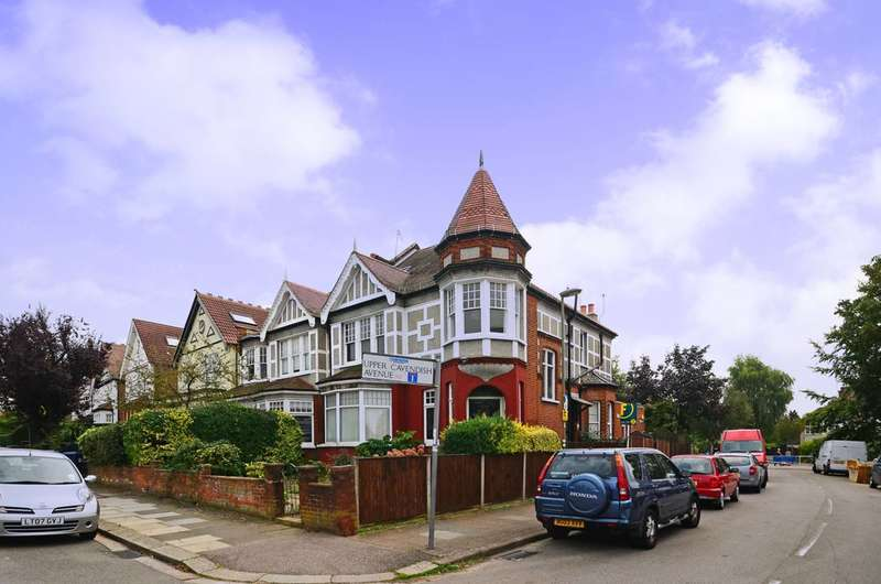 4 Bedrooms Maisonette Flat for sale in Mountfield Road, Finchley, N3