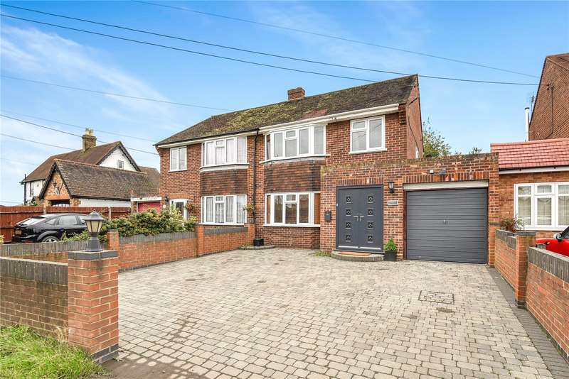 4 Bedrooms Semi Detached House for sale in Little Sutton Lane, Buckinghamshire, SL3