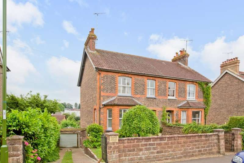 3 Bedrooms House for sale in Ashenground Road, Haywards Heath, RH16