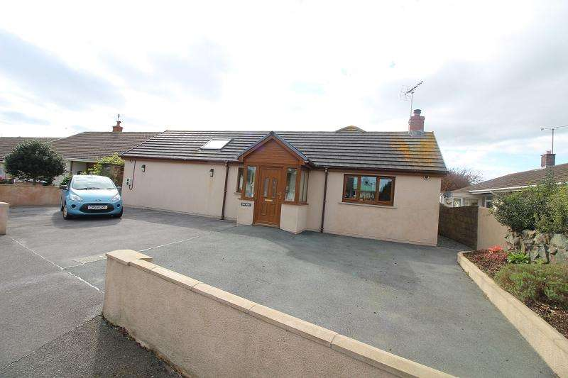 4 Bedrooms Detached Bungalow for sale in Westhill Avenue, Milford Haven, Pembrokeshire. SA73 2RD