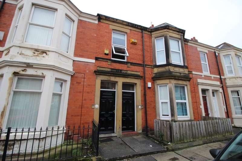 3 Bedrooms Flat for rent in Hazelwood Avenue, Newcastle Upon Tyne, NE2