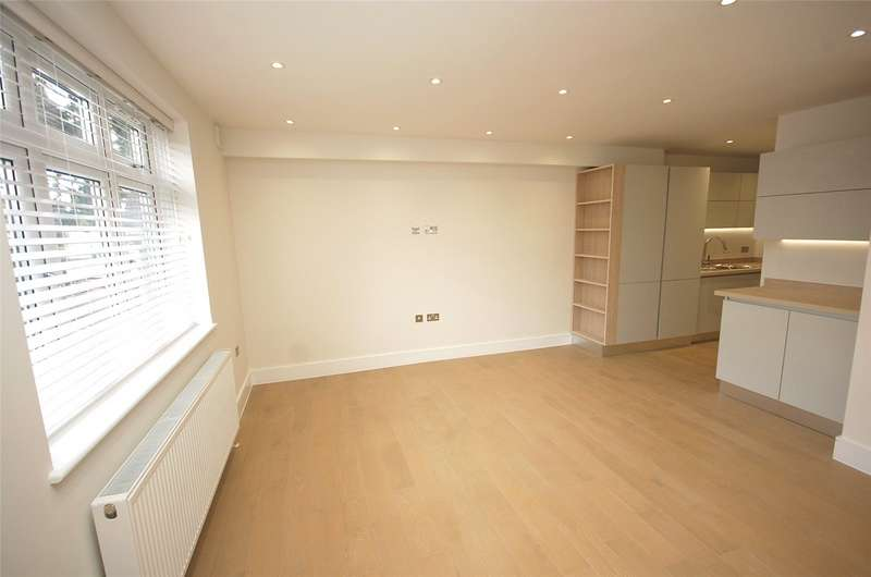 2 Bedrooms Flat for sale in The Drive Finchley London N3