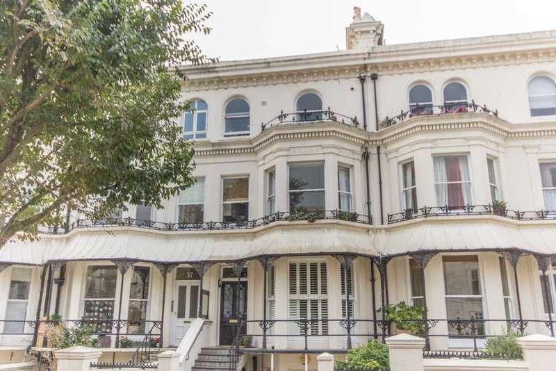 2 Bedrooms Flat for rent in Top Floor Flat 38, Silwood Road, Brighton