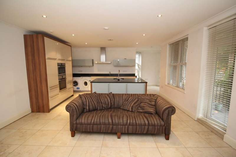 2 Bedrooms Flat for rent in Ibbotsons Lane, Liverpool, L17