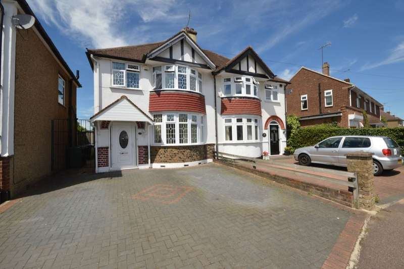 3 Bedrooms Semi Detached House for sale in Fourth Avenue, Watford, WD25