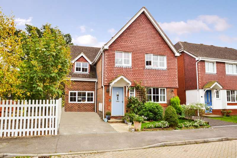 4 Bedrooms Detached House for sale in Cranham Avenue, Billingshurst, West Sussex, RH14