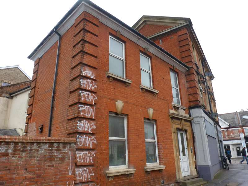 2 Bedrooms House for rent in Christchurch Road, Boscombe, Bournemouth