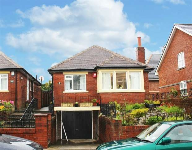 2 Bedrooms Detached Bungalow for sale in Westmorland Avenue, Blackpool, Lancashire