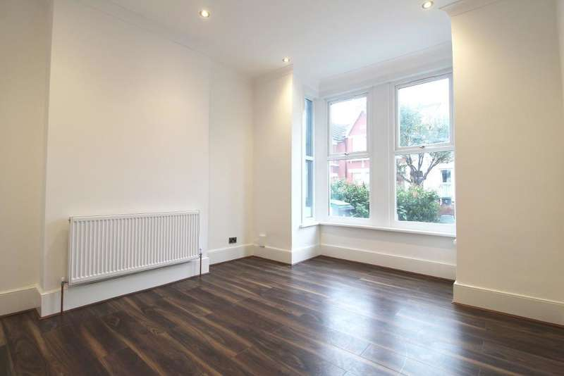 4 Bedrooms Terraced House for sale in Coleraine Road, London, N8 0QJ
