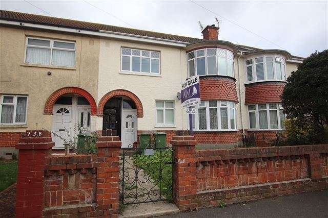 2 Bedrooms Flat for sale in Beaconsfield Avenue, Drayton, Portsmouth, Hampshire, PO6 2PS