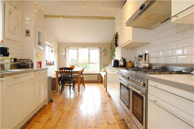 3 Bedrooms Terraced House for sale in Quantock Road, Windmill Hill, Bristol, BS3 4PE