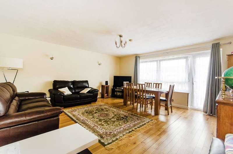 3 Bedrooms House for sale in Chalkhill Road, Wembley Park, HA9