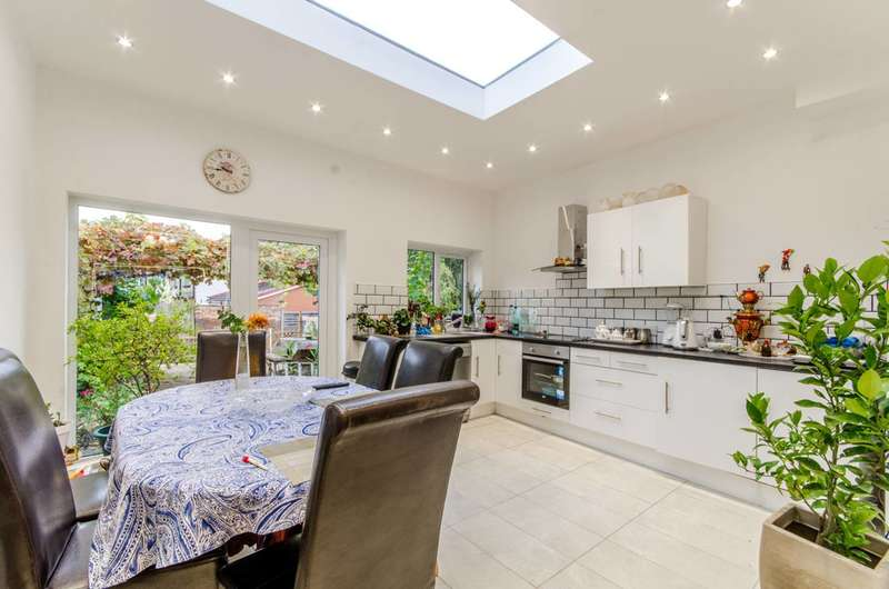 3 Bedrooms House for sale in Long Lane, Finchley Central, N3