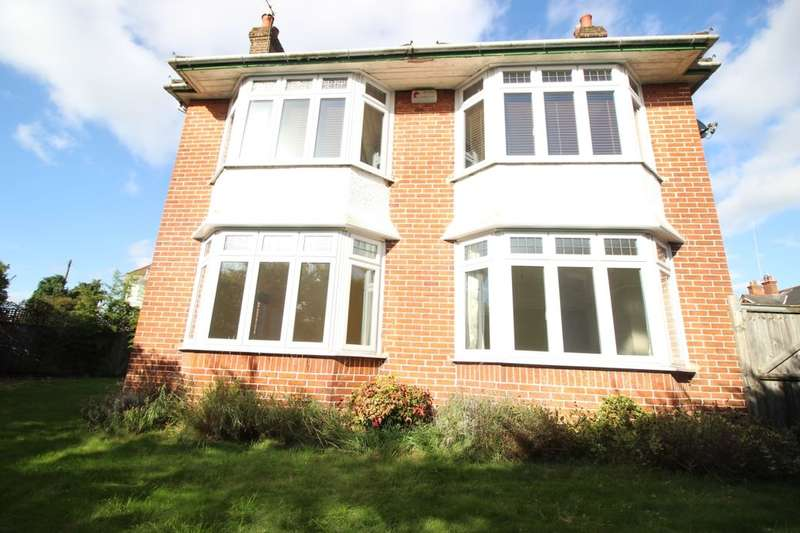 3 Bedrooms Detached House for sale in Twyford Avenue, Southampton, SO15