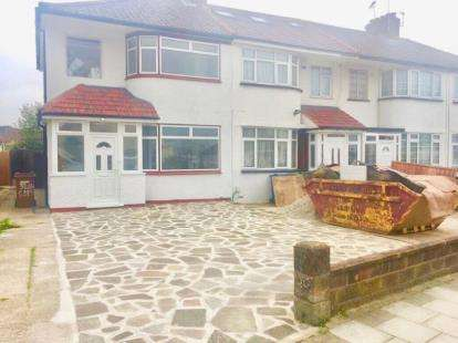 3 Bedrooms End Of Terrace House for sale in Lawrence Crescent, Edgware, Middlesex