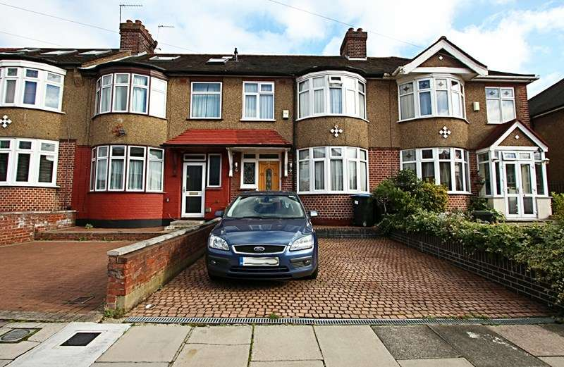 3 Bedrooms Property for sale in Carterhatch Lane, Enfield