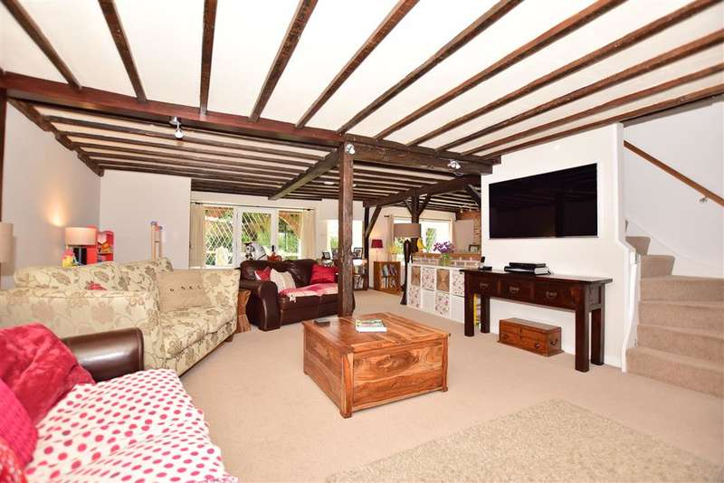 4 Bedrooms Detached House for sale in South Green, South Green, Sittingbourne, Kent