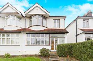 3 Bedrooms Semi Detached House for sale in Norman Avenue, Sanderstead, South Croydon