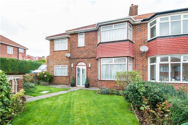 4 Bedrooms Semi Detached House for sale in Lodore Gardens, LONDON, NW9 0DR