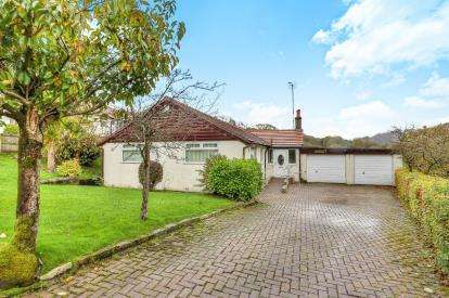 3 Bedrooms Bungalow for sale in The Lees, Cliviger, Burnley, Lancashire