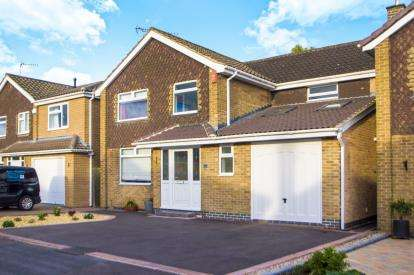 4 Bedrooms Detached House for sale in Holly Avenue, Breaston, Derby