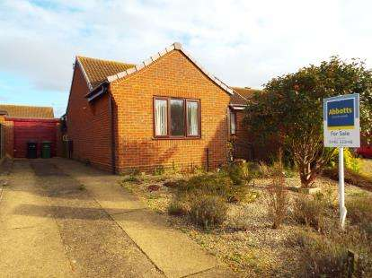 2 Bedrooms Bungalow for sale in Hunstanton, Kings Lynn, Norfolk