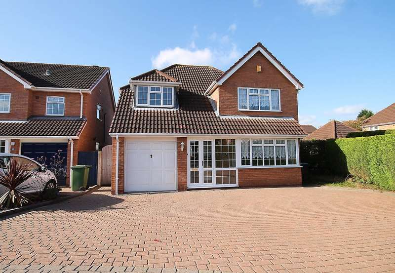 4 Bedrooms Detached House for sale in Selker Drive, Amington, Tamworth, B77 3QT