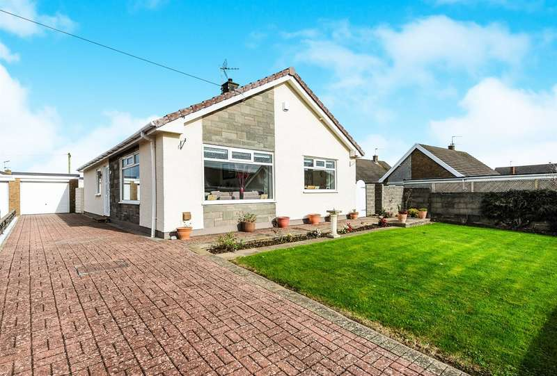 3 Bedrooms Detached Bungalow for sale in Teal Close, Porthcawl