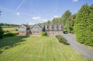 5 Bedrooms Equestrian Facility Character Property for sale in Poppinghole Lane, Robertsbridge, East Sussex