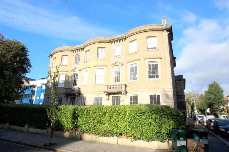 3 Bedrooms Flat for rent in Temple Heights, Windlesham Road, Brighton