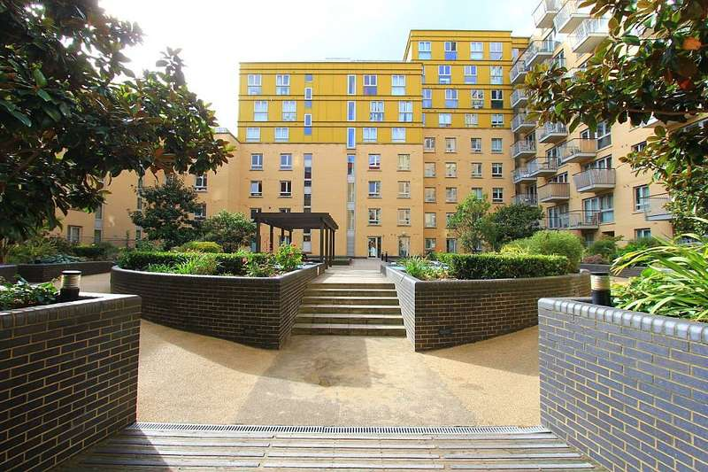 2 Bedrooms Apartment Flat for sale in Carronade Court, Eden Grove, London, London, N7 8EP