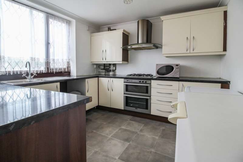 3 Bedrooms Terraced House for sale in Turnpike Close, London, London, SE8