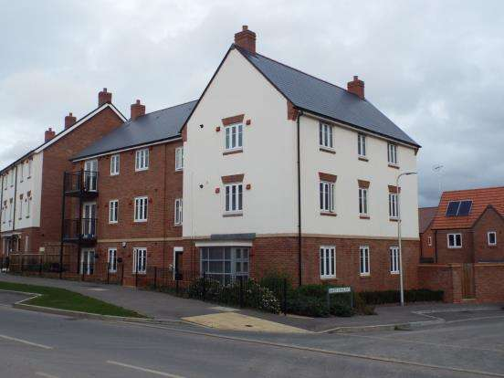 2 Bedrooms Flat for sale in Wokingham, Berkshire