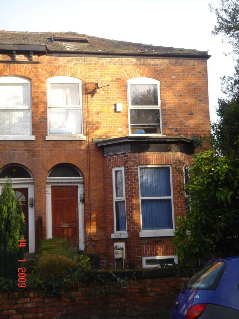 10 Bedrooms Semi Detached House for rent in Victoria Road, Fallowfield