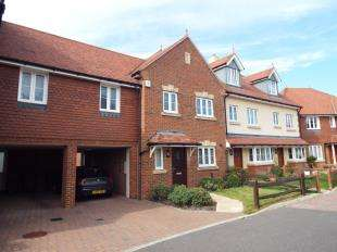 4 Bedrooms Semi Detached House for sale in Jubilee Gardens, Pagham, West Sussex