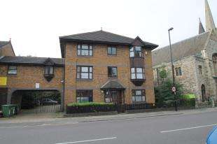 2 Bedrooms Flat for sale in Courthill Road Hither Green, Lewisham