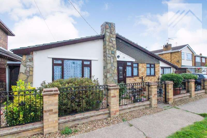3 Bedrooms Bungalow for sale in Metz Avenue, Canvey Island - SPACE IN ABUNDANCE