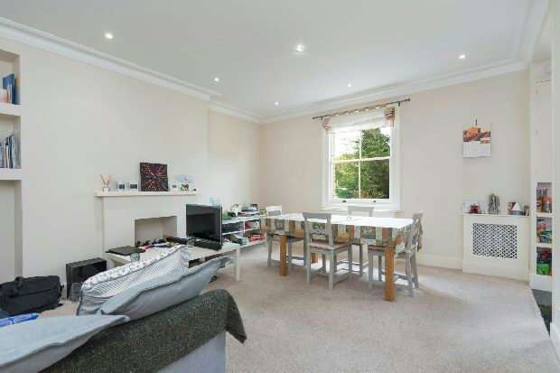 3 Bedrooms Flat for sale in Gayton Crescent, Hampstead Village, NW3