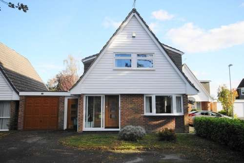 4 Bedrooms House for sale in Kingfisher Close, West Moors