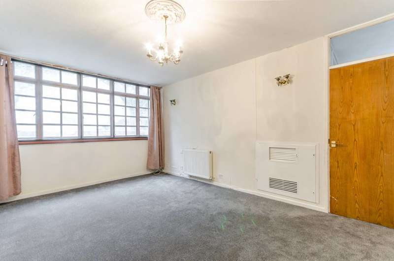 2 Bedrooms Maisonette Flat for sale in Redcastle Close, Shadwell, E1W