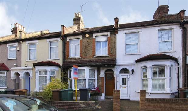 3 Bedrooms Terraced House for sale in Roberts Road, Walthamstow, London