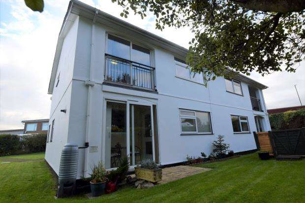 2 Bedrooms Flat for sale in Fairway Close, Churston Ferrers, Brixham, Devon
