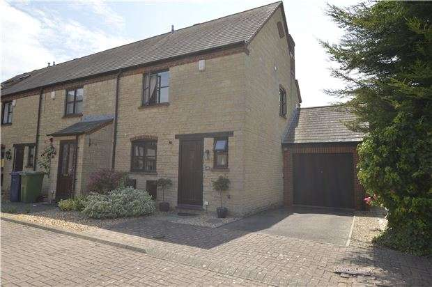 3 Bedrooms End Of Terrace House for sale in Farriers Reach, Bishops Cleeve, GL52 7UZ